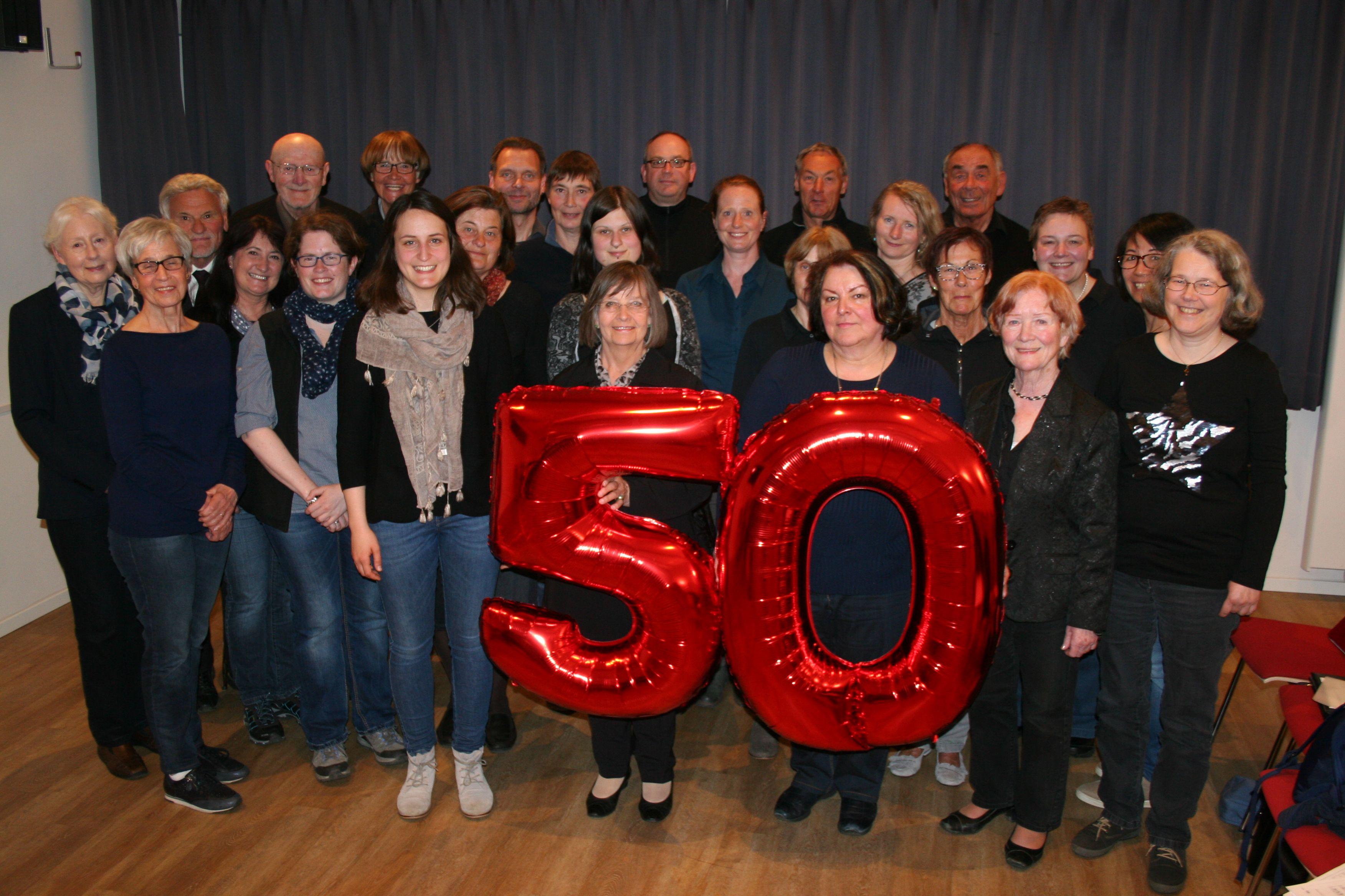 Gruppenbild mit 50
